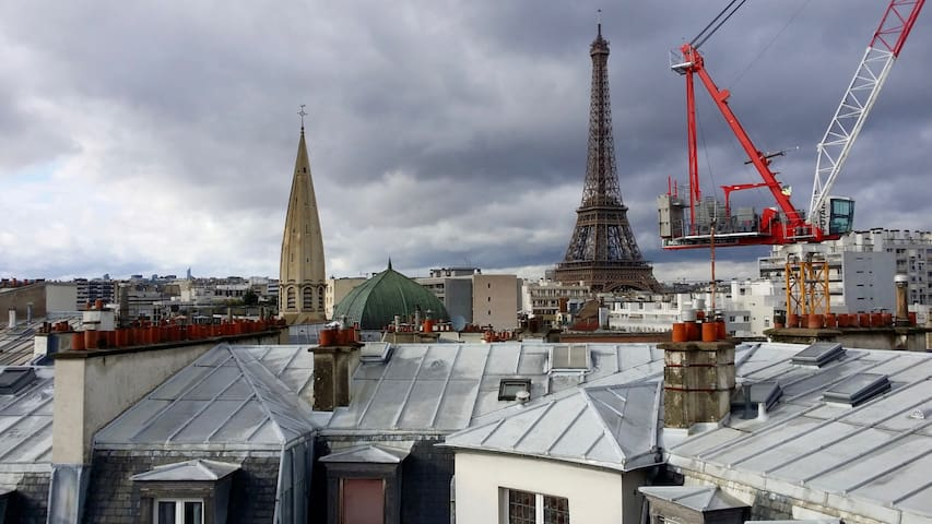 53sqmt appartment w/ incredible Eiffel Tower view