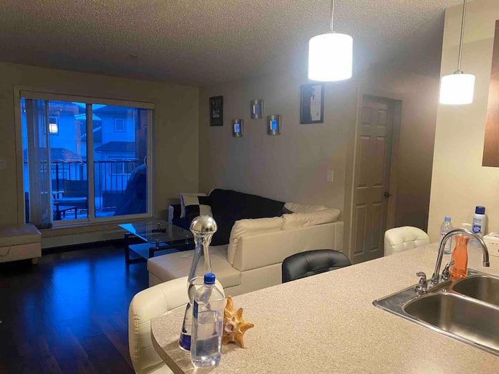 """New & Modern Condo in Southside, 2 Beds+ 2 Baths"""