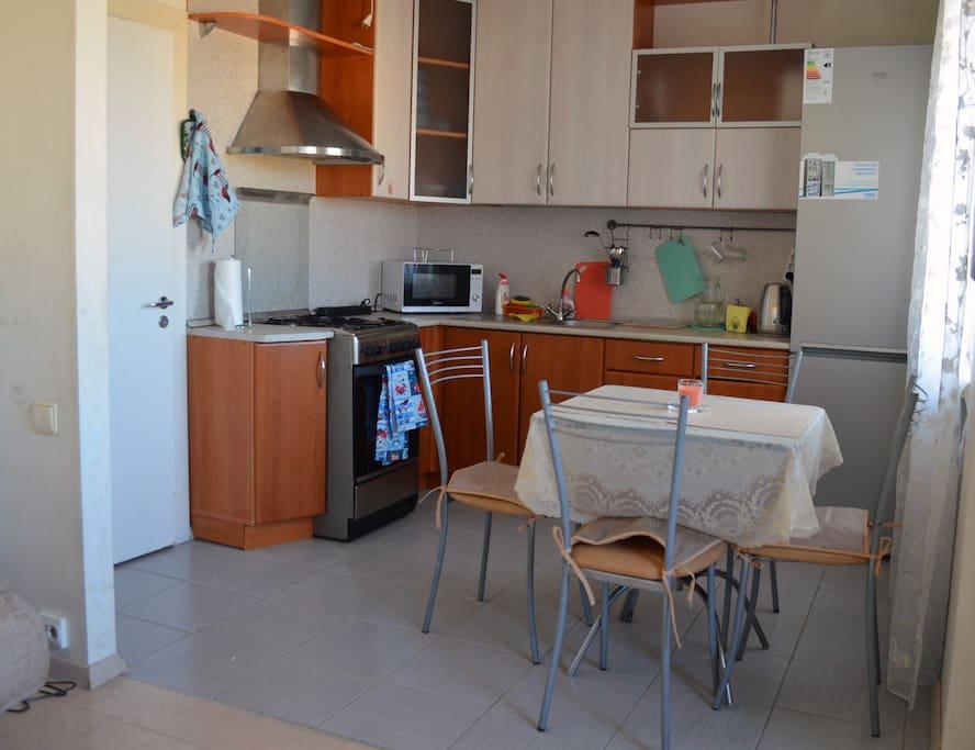Кухня-столовая/dining room