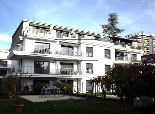 2 pièces standing *** , avec balcon, garage fermé