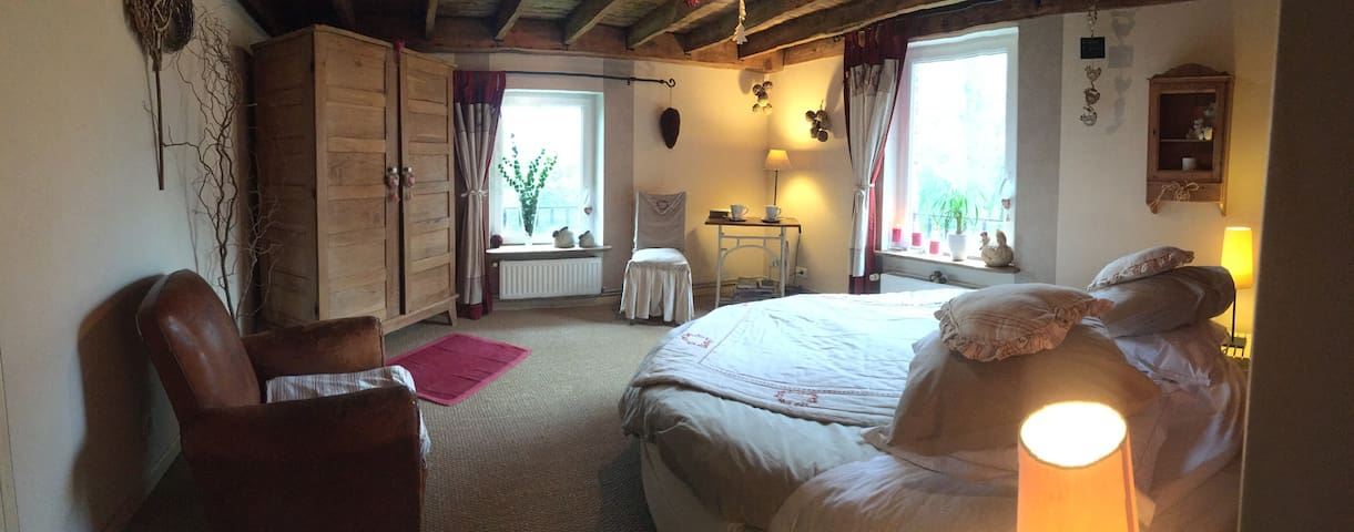 Ribeaufontaine: La chambre double - Dorengt - Bed & Breakfast