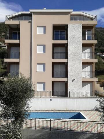 Isodora Apartment 5