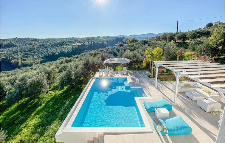 Holiday cottage with 3 bedrooms on 260m² in Koroni