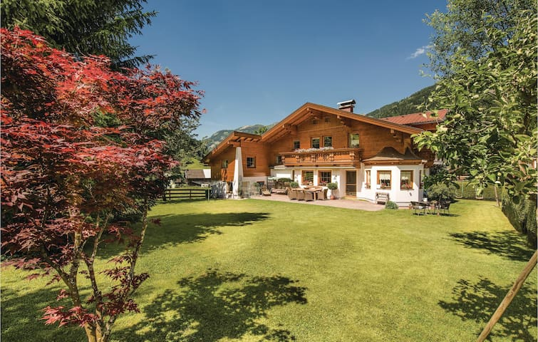 Holiday apartment with 2 bedrooms on 58 m² in Dorfgastein