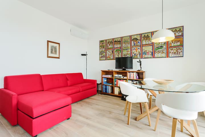 Amazing flat with big terrace and private car park
