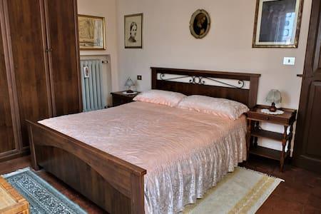 """La camera """"dei ritratti"""" (matrimoniale)"""