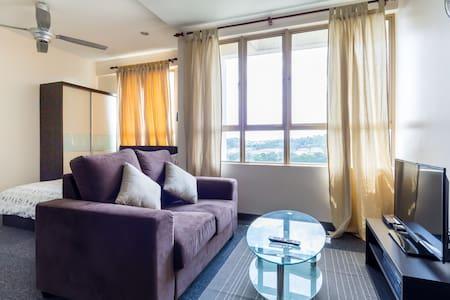 *PREMIUM HOME* 1BR Damansara Studio - Petaling Jaya - Apartment