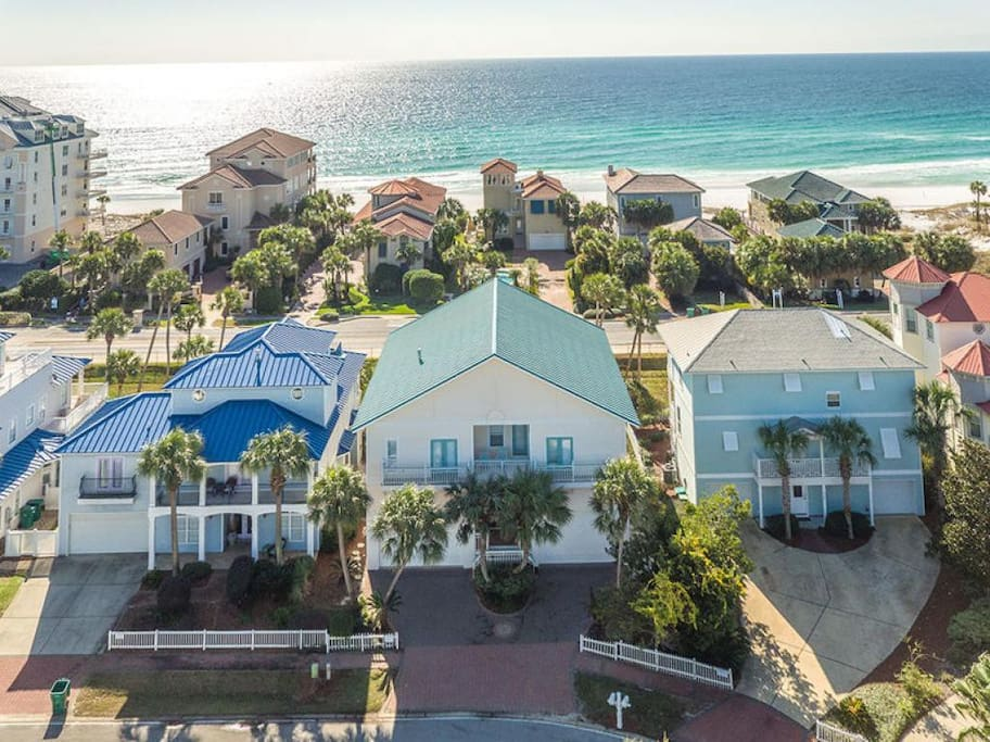 Coral Shores - Vacation Rental in Crystal Beach