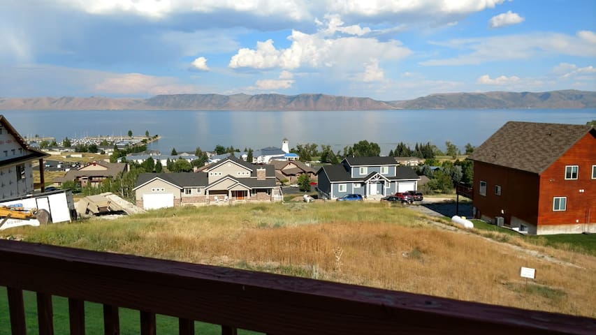 Lake View Condo 888 # 3 New stainless steel appliances!