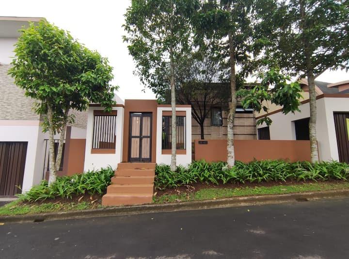 Premium Villa 3 Bedroom Semeru Vimala Hills Puncak