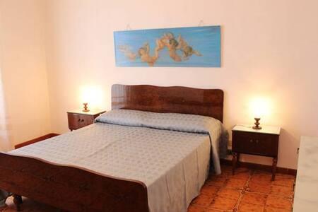 stanza privata a 400 metri dal mare - Sampieri