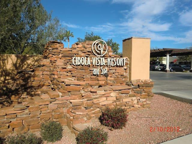 One Bedroom Condo near Phoenix