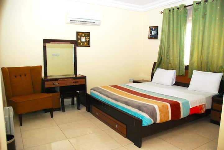 Knightsbridge Hotel - Classic Room (Wing 2)