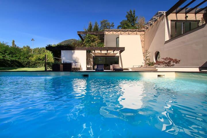 Modern villa with pool in a tranquil setting - Cissano - Villa