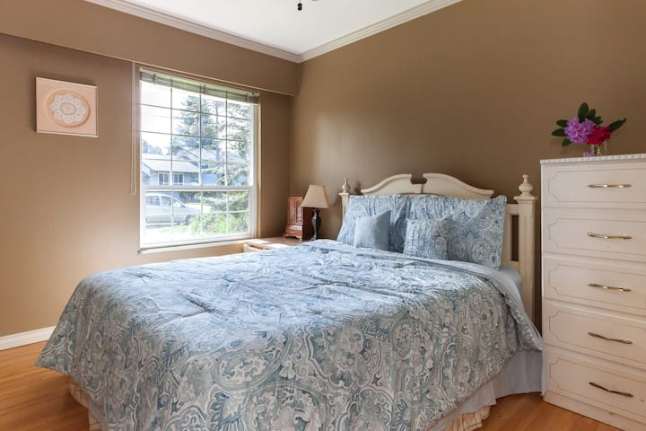 Tsawwassen Ferry house B&B