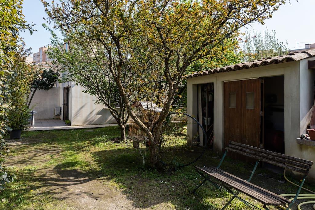 Petite maison jardin proche com die maisons louer - Maison jardin condominium montpellier ...