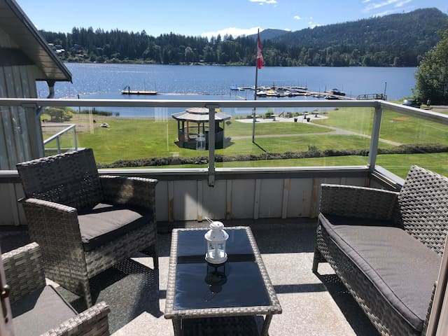 Shawnigan Lake Beach Resort Living