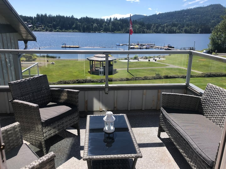 Shawnigan Lake Beach Resort Living