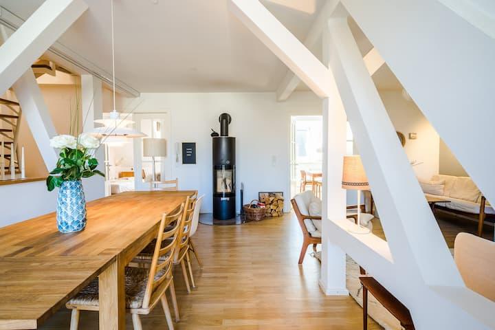 """""""Tree-House"""" Dachgeschoss 146 m² + Rooftop Balkone"""