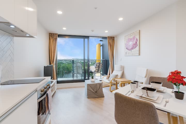 Cosy Comfy Apartment in Central Auckland with Pool