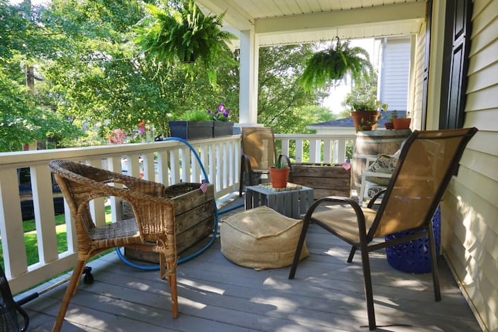 Charming Craftsman four blocks from DC