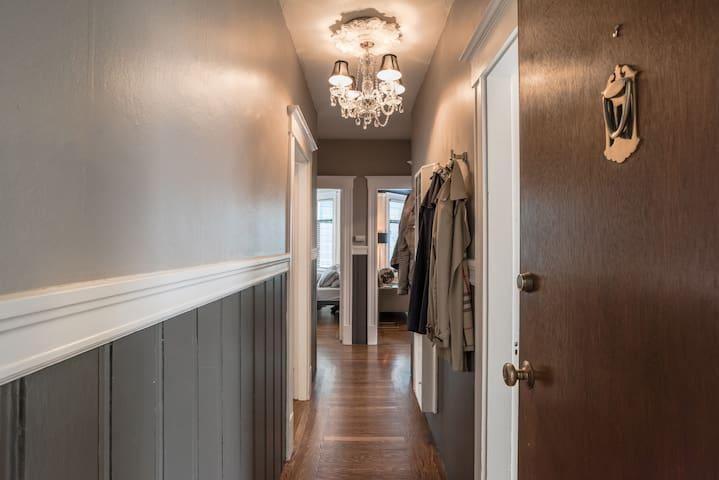 Luxury Bedroom in Heart of SF - Ideal Location!