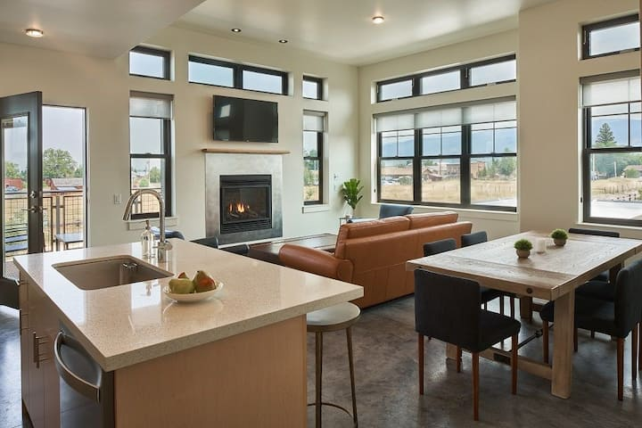 Mountain View Loft #5