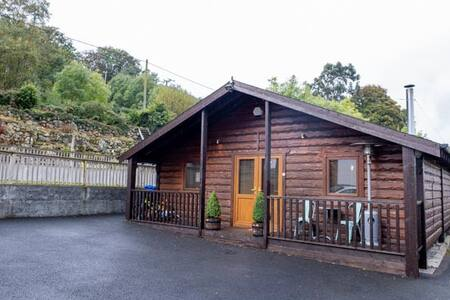 Log Cabin at the foot of the Mournes