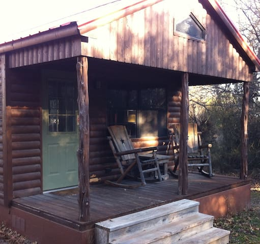 Trail Boss cabin w/ hot tub at The Hideaway Ranch