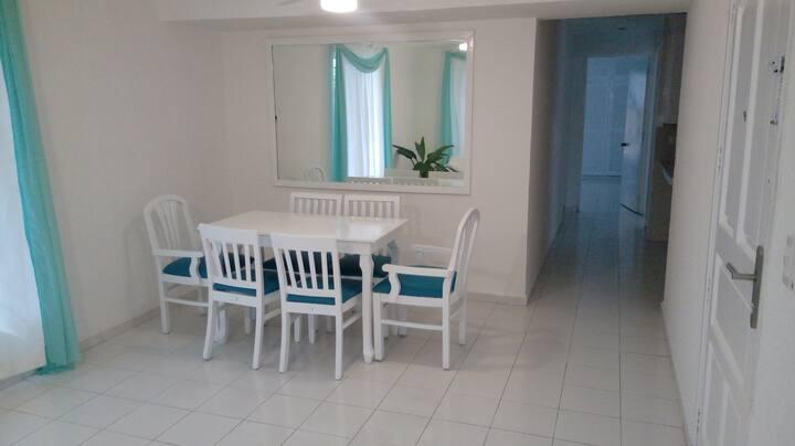 Cancun bright apartment