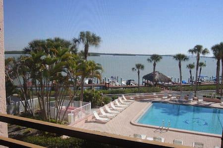 Million Dollar View - Marco Island - Condominium