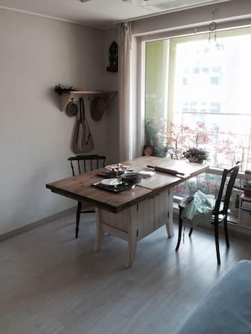 "vintage living""    빈티지&케이크"" - Haeundae-gu - Appartement"