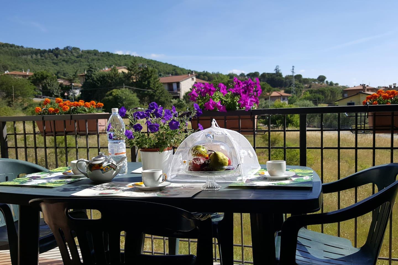 Ampio appartamento immerso nella tranquillita' e nel verde nelle vicinanze del lago Trasimeno e al centro di Magione.