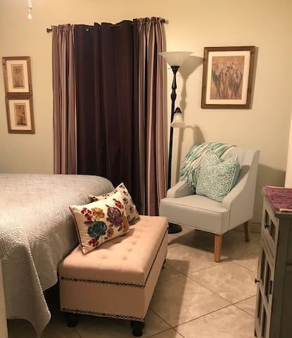 Private bedroom in Webster. Prefer Longer term.