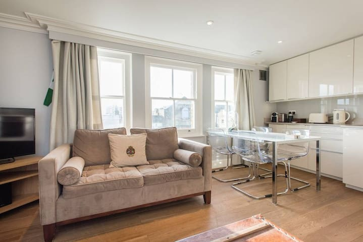 Gorgeous Apartment in Notting Hill,Portobello Road