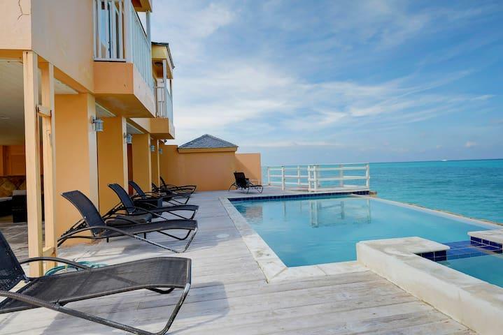 Bob Marley Oceanfront Beach House w/ Infinity Pool