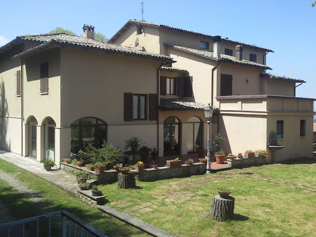 Villa nel cuore verde dell'Umbria