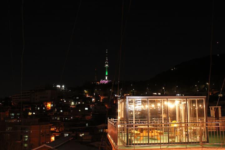 [Rooftop & Provide Wine 1 bottle]-Iteawon, SEOUL