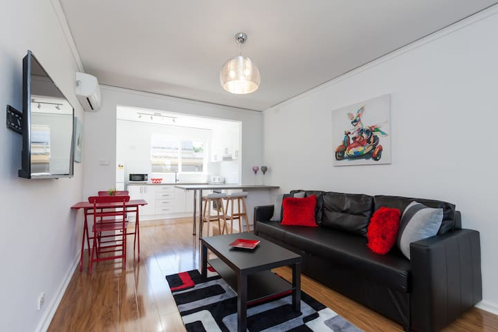 Newly Renovated Unit in Caulfield - Caulfield South - Leilighet