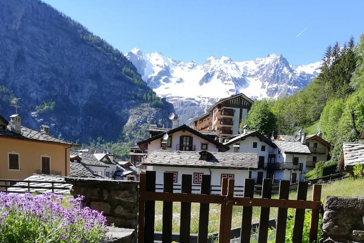 The Mont Blanc & Courmayeur Valley Apartment