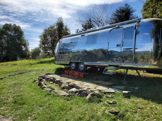 Mountaintop Airstream in Santa Cruz Mountains