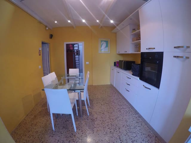 Comfy flat in Pontedera, near Pisa - Pontedera - Apartment