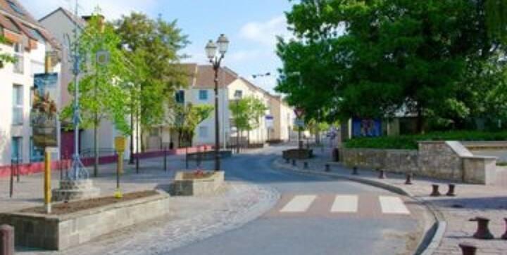 Duplex charmant centre ville de Roissy en france