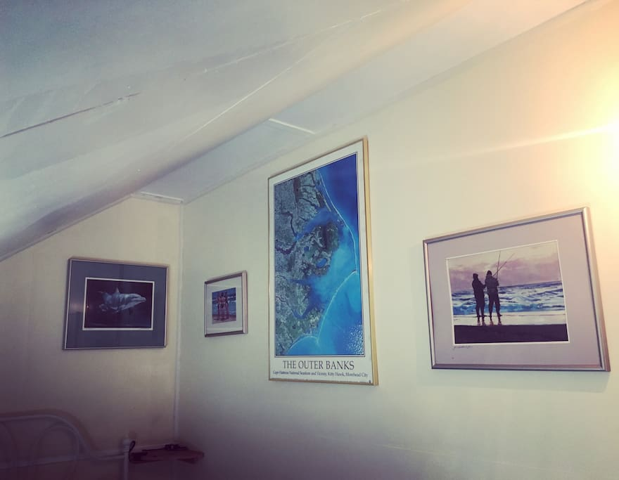 Bridge Street Inn guests who stay in Room 1 can now enjoy the art of Glenn Dodenhoft and Lisa Cooper. The art was driven from Hatteras Island, NC to Cambria, CA in a VW Westfalia.