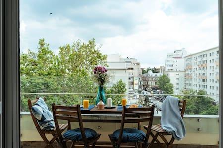 Bright and Spacious Central Apartment- Piata Amzei