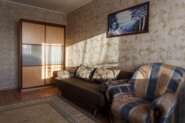 Удобные апартаменты на Широтной - Tyumen'