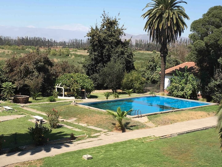 Country house with pool 25 minutes from Santiago