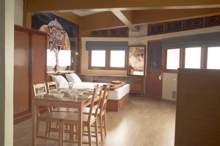 Extra large room near Khaosan up to 6 people #4