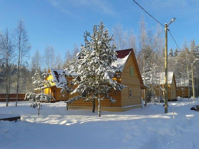 Коттедж 70м2 в 3км от Коробицыно на любой срок - Svetloye - Hus
