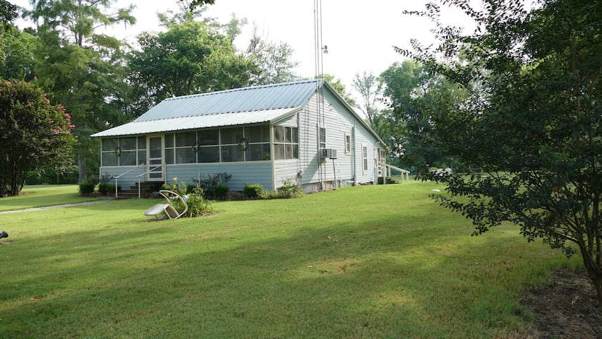 Cabin on the Bogue